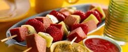 Worststicks met aardbeien en kiwi recept