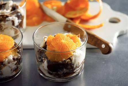 Mousse van ricotta met pruimen en mandarijn
