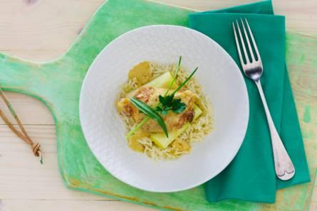 Alain carons kip met mosterd-gembersaus, pilav rijst en gestoofde ...