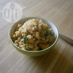 Gebakken rijst met broccoli en kip recept