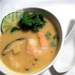 Thaise kokossoep met shiitake en garnalen recept