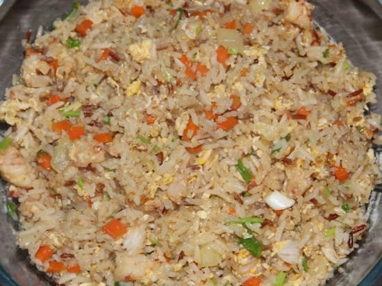 Eigen nasi goreng speciaal, lekkerder dan die van de chinees ...