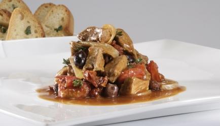 Kalfspoulet uit de oven met olijven en rozemarijn recept ...
