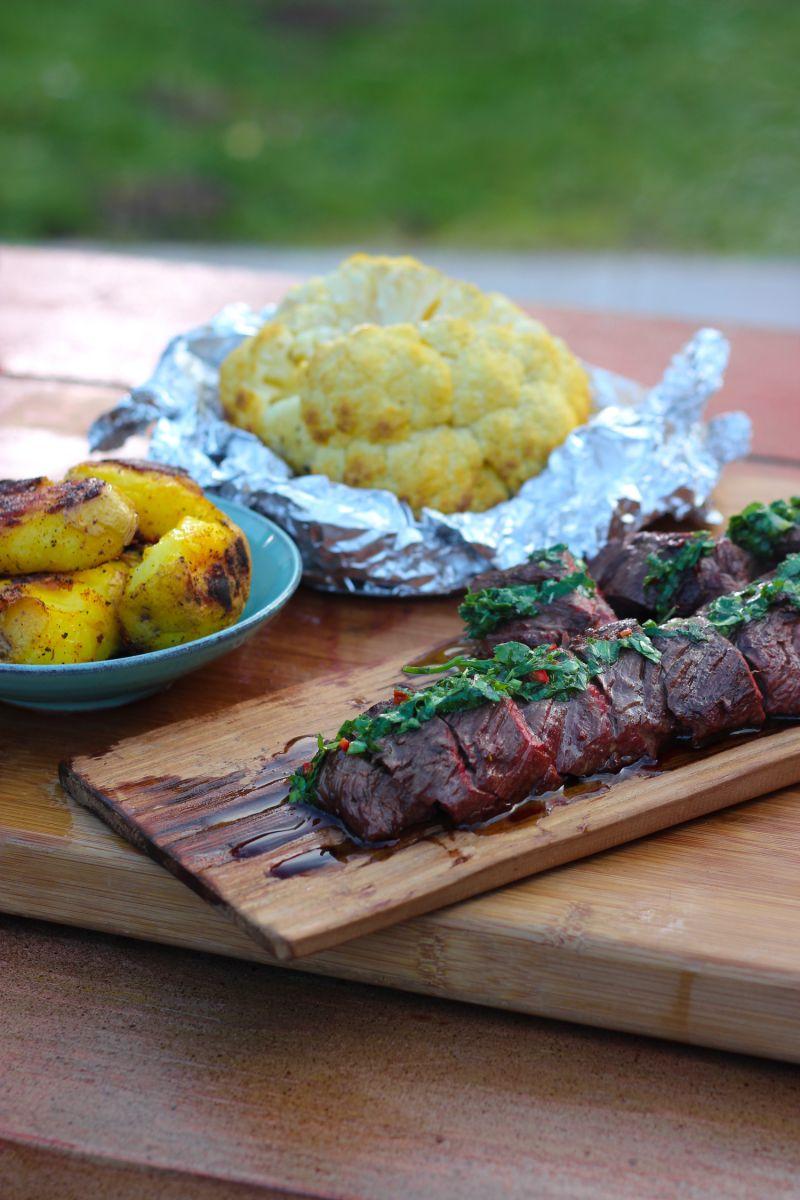 Recept 'onglet met chimichurri, aardappelen en geroosterde ...