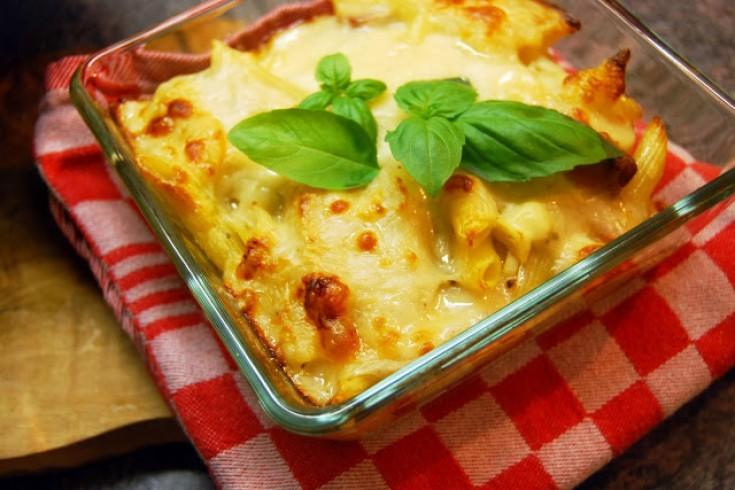 Pastaschotel uit de oven met pittige chorizo