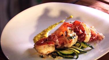 Recept 'courgettehapjes met scampi's en ham'