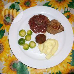Wildzwijn steak met cranberry saus recept