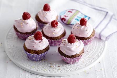 Frambozen-marshmallow cupcakes