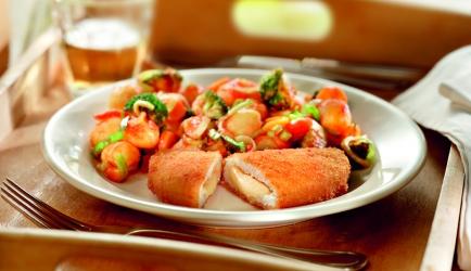 Gebakken krieltjes met groenten in tomatensaus recept