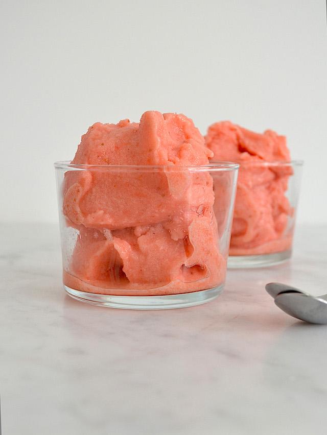 Aardbeiensorbet met limoen