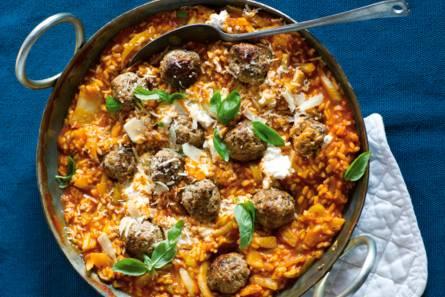 Stevige risotto met worst en italiaanse kruiden