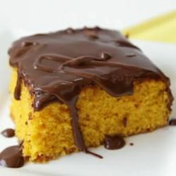 Braziliaanse worteltaart met chocoladeglazuur recept