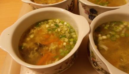 Verrukkelijke heldere chinese groentesoep lekker licht en slank ...