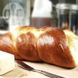 Gevlochten challe (joods brood) uit de broodbakmachine recept ...