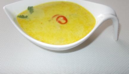 Pittige kip-kerrie-kokossoep met champignons en prei recept ...