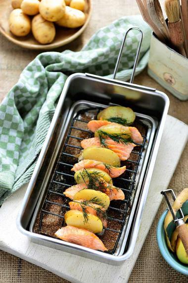 Recept 'warm gerookte nieuwe aardappelen met verse zalm en dille ...