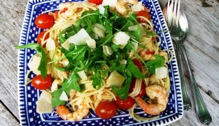 Gemarineerde garnalen met tomaatjes en pasta recept