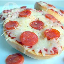 Makkelijke pizza broodjes recept