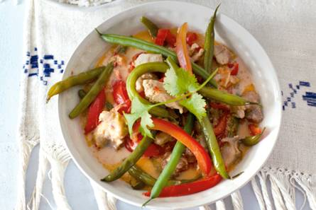 Rode curry met kip en boontjes