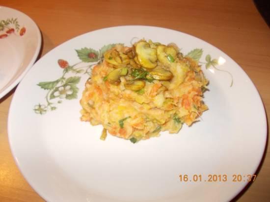 Romige stamppot prei, wortel en champignons met een ...