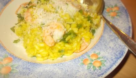 Verrukkelijke pittige risotto met knoflook garnalen en spaanse peper ...
