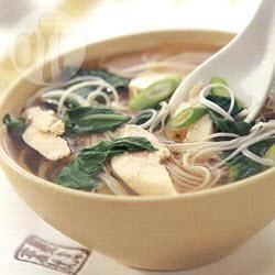 Chinese noedelsoep met kip recept