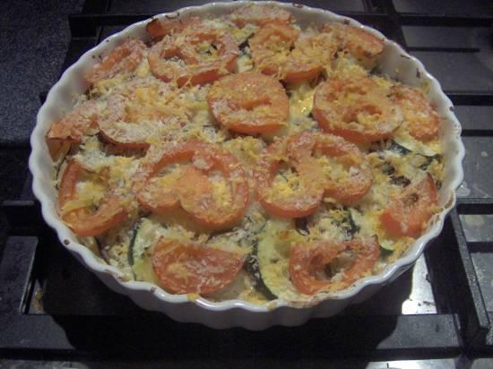 Gratin van aubergine, courgette, tomaat en aardappel recept ...