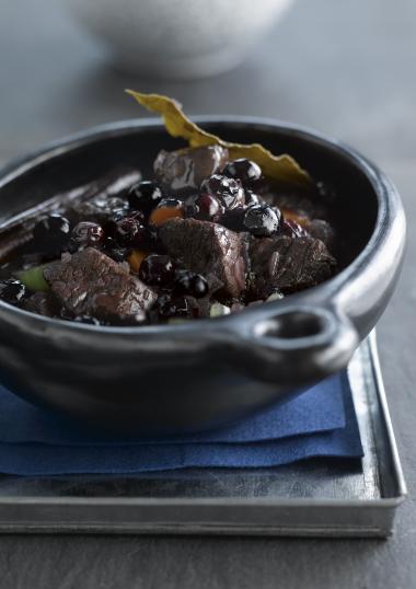 Recept 'stoofpotje van everzwijn met bosbessen'