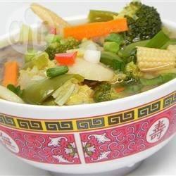 Chinese groentesoep met kip recept