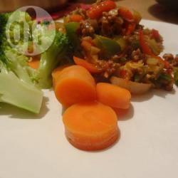 Pittig gehakt met broccoli en wortel recept