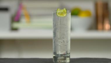 Recept 'tanqueray ten gin & tonic'