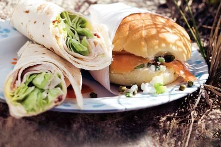 Lunchbol met zalm en hüttenkäse