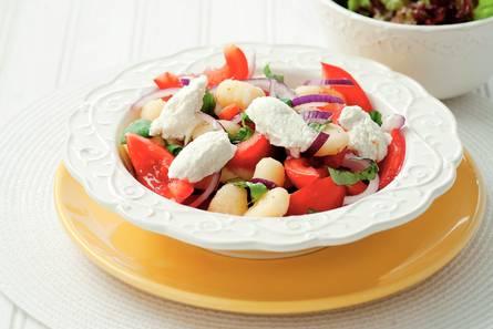 Gnocchi met tomaten en basilicum