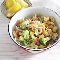 Tortellini met gerookte zalm en broccoli recept