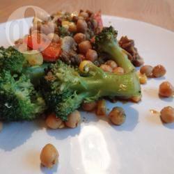 Gehaktschotel met kikkererwten en broccoli recept