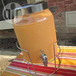 Tropische sinaasappel-guave limonade recept