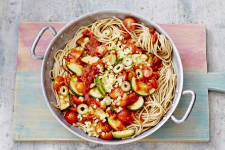 Spaghetti met tomatensaus & courgette