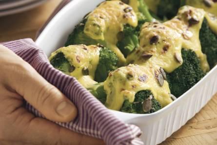 Broccoli met kerrie-kaassaus