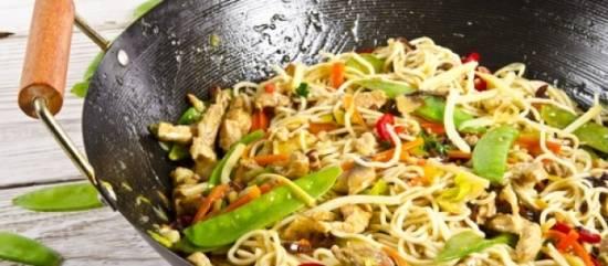 Noodles met kip recept
