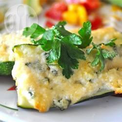 Gegrilde courgette met knoflook en parmezaanse kaas recept ...