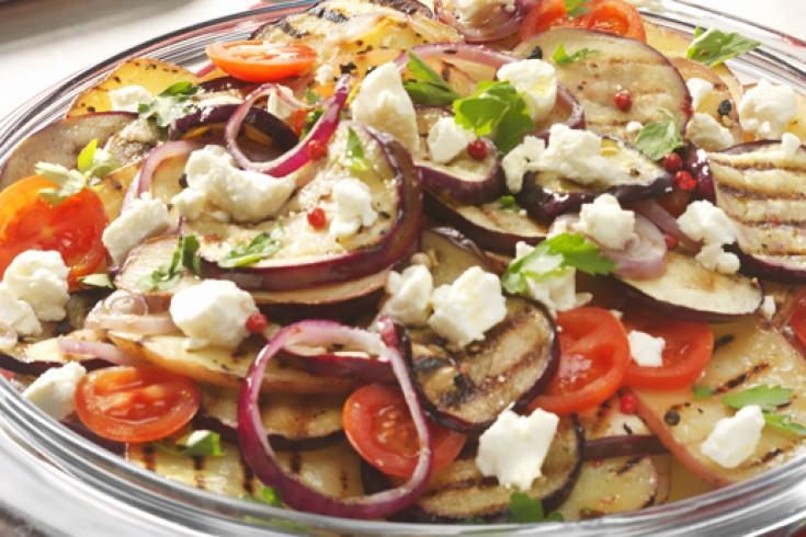 Zomerse salade met gegrilde groenten