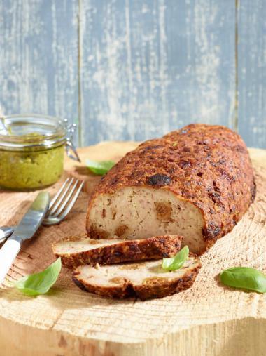 Recept 'gehaktbrood met aardbeien en pistachepesto'