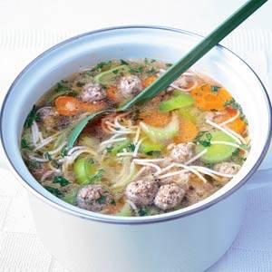 Stap-voor-stap oma`s soep met ballen recept