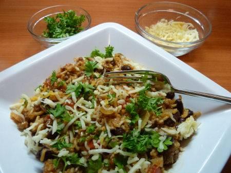 Pittige mexicaanse bonenschotel met rijst recept