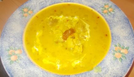 Pittig romige kip-kerriesoep met mango chutney recept