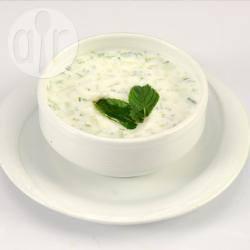 Esma's cacik turkse salade voor 6 personen recept