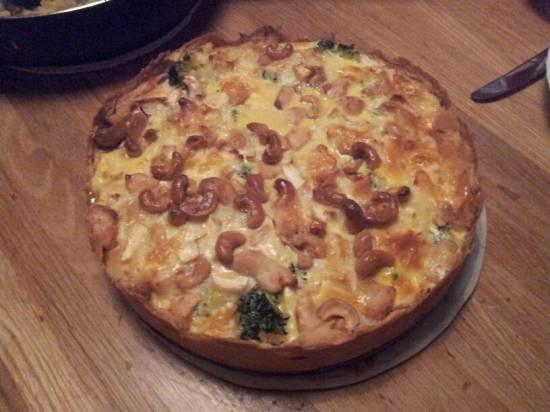 Quiche met broccoli, kip, brie en cashewnoten recept