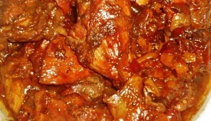 Gestoofd surinaams kip recept